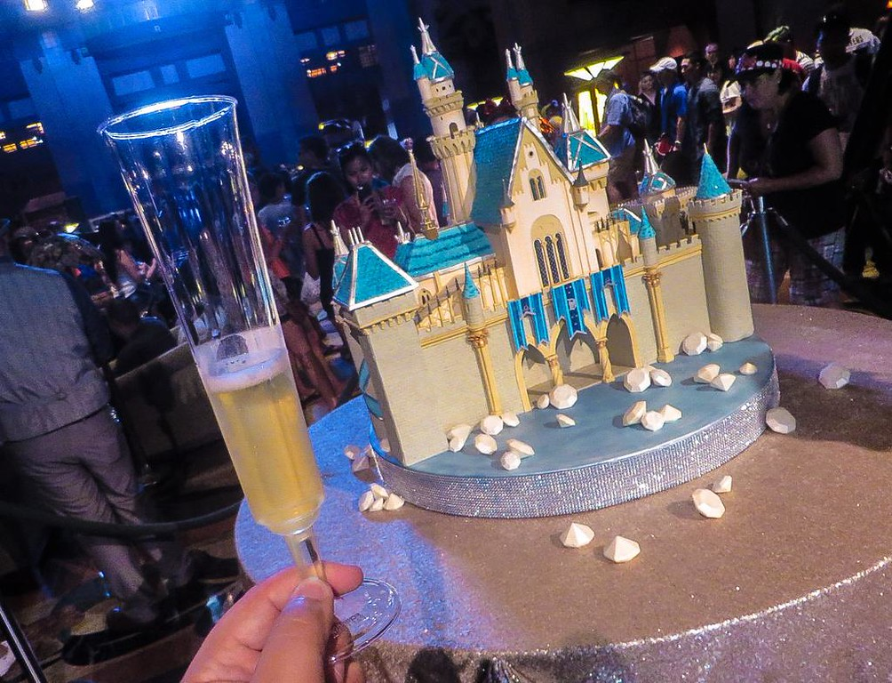 VIDEO: Disneyland HAPPY BIRTHDAY moment at Disney's Grand Californian Hotel