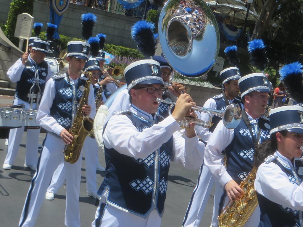 VIDEO: New Disneyland Band debuts for #Disneyland60 Diamond Celebration