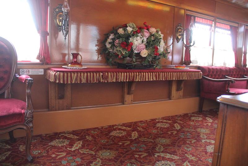 Disneyland Railroad - Lilly Belle Parlor Car