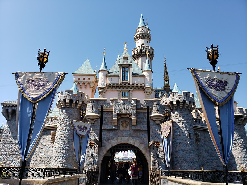 "Disneyland Resort proposes staggered increase of minimum wage to $15 for hourly ""Master Services"" Cast Members"