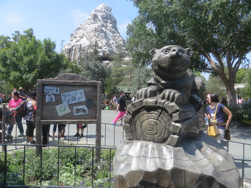 PICTORIAL: Matterhorn FastPass, Star Wars Land grows, Rivers go green, Corndogs return, and more!