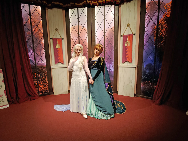 PICTORIAL: Anna, Elsa, and Tomorrowland debut new looks, Avengers continue expansion as holidays continue
