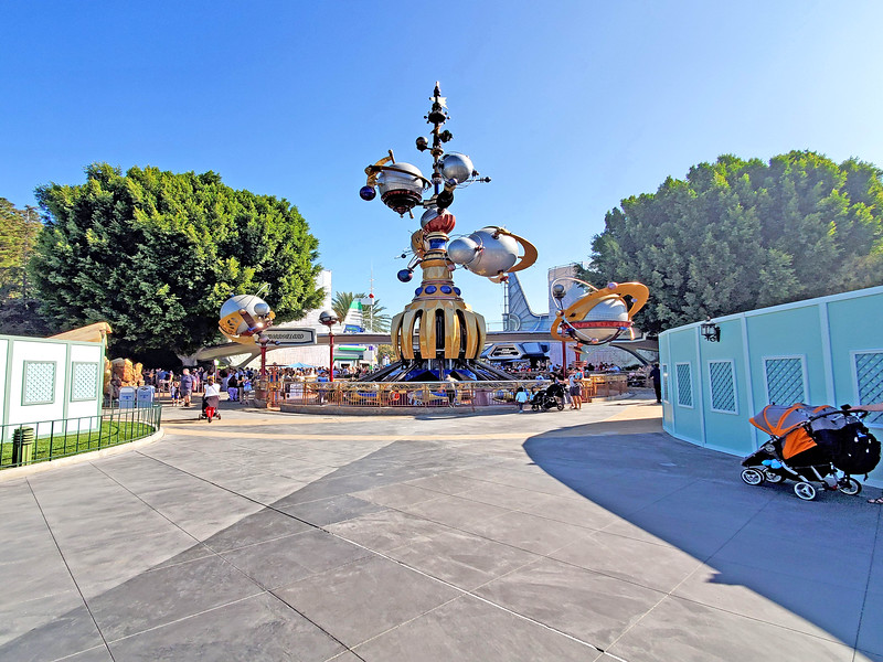 PICTORIAL: Everything BUT the Disney Holidays currently underway at the Disneyland Resort