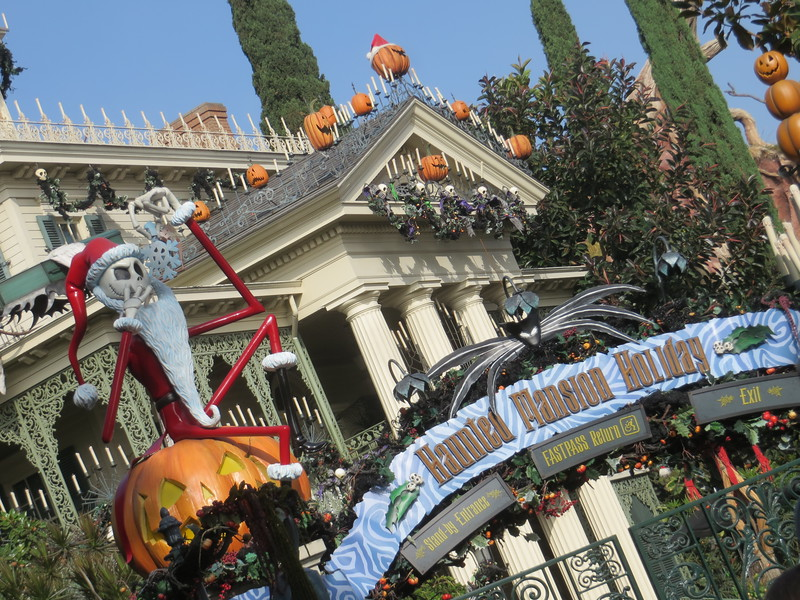 PICTORIAL: AP Days and HalloweenTime launch, refurbishments continue, Star Wars Land proceeds