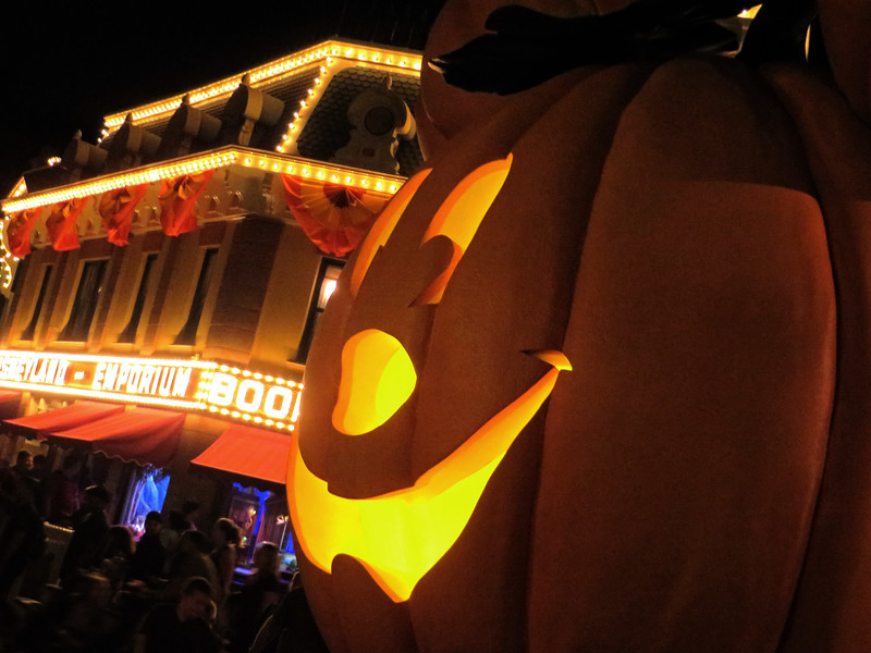 PICTORIAL: Everything you need to know about Disneyland's Halloween Time 2016