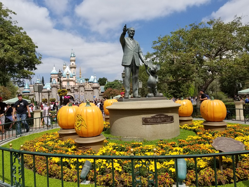 PICTORIAL: Classic #HalloweenTime favorites return to Disneyland Park