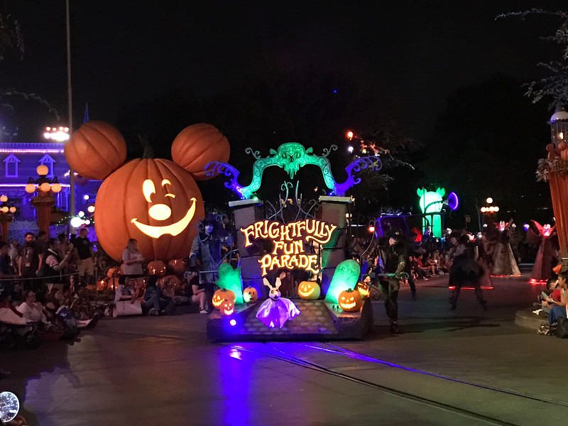 MICKEY'S HALLOWEEN PARTY continues to deliver fab-BOO-lous seasonal alternative