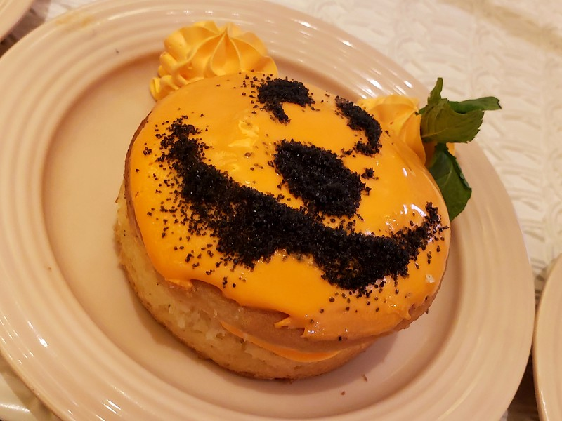 FIRST TASTE: The good, the bad, and the ugly of Disneyland's 2018 Halloween Time dining options!