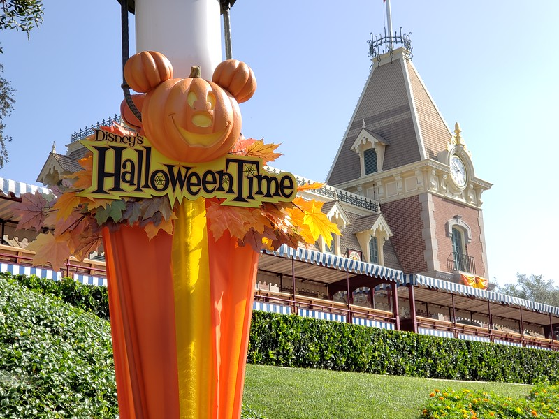 PICTORIAL: A look at all of the Halloween Time 2018 offerings at Disneyland Resort!