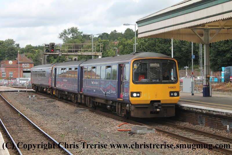 Class 143 and Class 153 at Exeter St Davids
