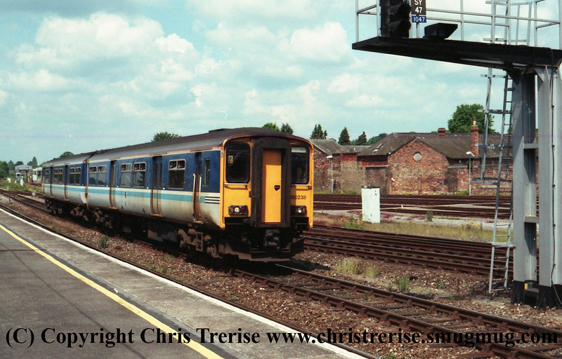 Class 150 2 Car Sprinter DMU Set number 150 238 approaches Salisbury.<br /> 30th May 2000