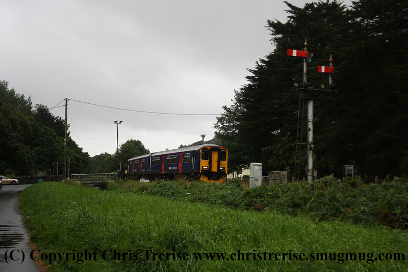 Class 150 2 Car Sprinter DMU number 150 202 passes Middleway Crossing with the 0917 Par to Newquay.<br /> 15th August 2012