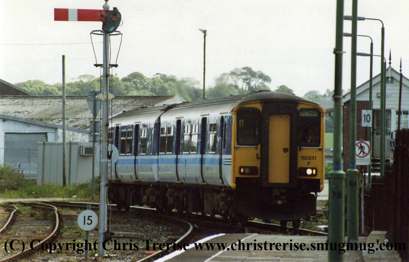 Class 150 at St Erth