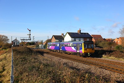 142095 on the 2R13 York to Hull at Welton, Brough on the 25th November 2017