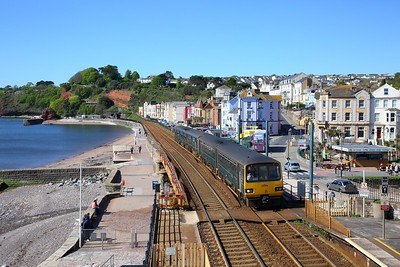 143617+150261 on the 2E17 0930 Paignton to Exeter St Davids at Dawlish on the 11th May 2019