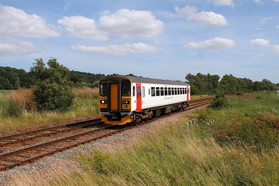 153335 on the 2J81 1457 Lowestoft to Norwich at Haddiscoe on the 3rd August 2015