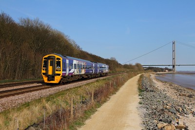 158792 on the 1J30 1511 Bridlington to Sheffield at Hessle on the 8th April 2015