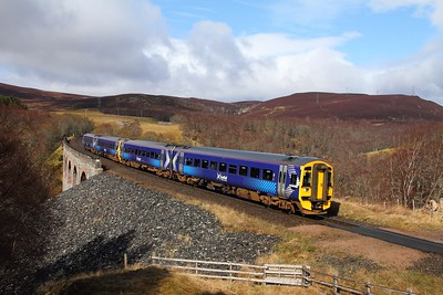 158724+158704 on the 1B22 1045 Inverness to Edinburgh at Slochd on the 15th April 2017