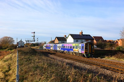 158842 on the 1R09 York to Hull at Welton, Brough on the 25th November 2017