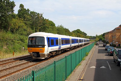 165001+165024 on the 2G32 1246 London Marylebone to Gerrards Cross at Northolt Park on the 26th August 2017