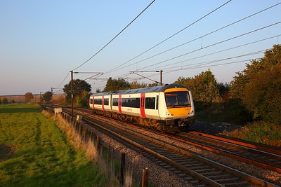 170271 on the 2L79 1550 Peterborough to Ipswich at Dagworth, Stowmarket on the 10th October 2018