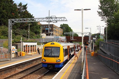 172008 on the 2J28 1003 Barking to Gospel Oak at Upper Holloway on the 18th July 2017