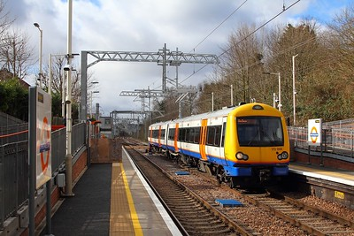 172008 on the 2J31 1005 Gospel Oak to Barking at Upper Holloway on the 8th March 2018