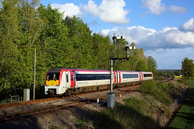 175110 working 1V50 1631 Manchester Piccadilly to Milford Haven at Abergavenny on 5 May 2021  Class175, TFW, Themarches