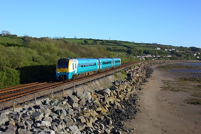 175110 working 1V46 Manchester Piccadilly to Milford Haven at Ferryside on 6 May 2021  TFW, Class175, WestWalesLine