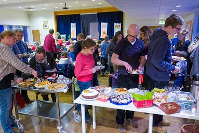 Alle hatten leckeren Kuchen oder Weihnachtsgebäck mitgebracht.