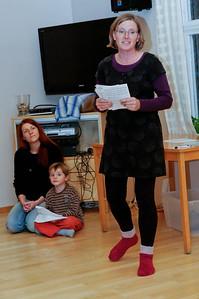 Anja liest die Geschichte vor...