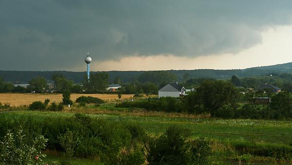 prichádzajúca búrka z juhovýchodu