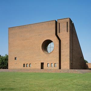 04 Ravnsbjerg-Kirche | Ravnsbjerg Church Grøfthøjparken 1, Viby C. F. Møller Architects ⁄ Jørgen Arevad-Jacobsen, 1976