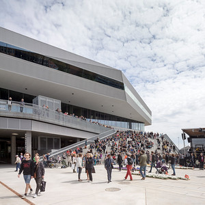 06 Dokk1, Bibliothek, Bürgeramt | Dokk1, Library, Civic Centre Hack Kampmanns Plads 2 Schmidt ⁄ Hammer ⁄ Lassen ⁄ Kristine Jensens Tegnestue, 2015