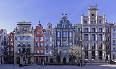 Platzrandbebauung des Długi Targ mit dem Radisson Blu (rechts), DanzigBild: Harald Gatermann