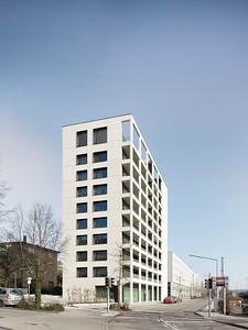 Freivogel Mayer ArchitektenGeneralsanierung und Aufstockung Wohnhochhaus, PforzheimFotograf: Dietmar Strauß, Besigheim
