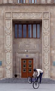 11 Regierungspalast.  Azadlıq meydanı.  Lew W. Rudnew, Wladimir O. Munz, Igor W. Tkatschenko -  1935–1952