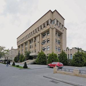 02 Ehemaliges KP-Gebäude.  Xətai prospekti 9.  Talaat Khanlarov, I. Ibrahimov -  1978