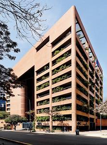 14 ATRIUM BUILDING. E. Díquez, O. González, J. Rivas, 1988