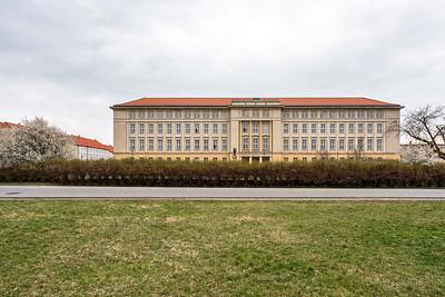 09 Haus der Parteien- und Massenorganisationen (heute: Rathaus), Harald Wunderlich - 1958