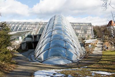 10 Gewächshäuser im Botanischen Garten der Universität Graz. Volker Giencke; 1995