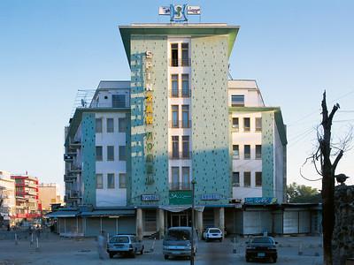 09 Spinzar Hotel. Mohammed Jan Khan Road ∕ Spinzar Hotel Street, unbekannt, 1969 ∕ 2008 (Sanierung)