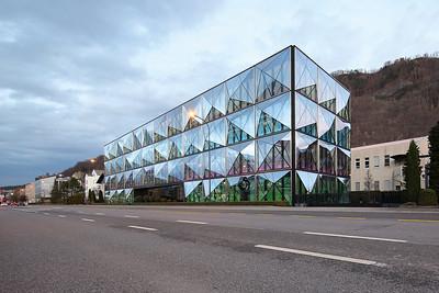 05 Verwaltungsgebäude Channoine Cosmetics in Vaduz. Müller Architekten, 2010