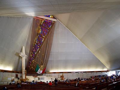 09 Basílica de Guadalupe. Pedro Ramírez; Rafael Mijares, Antonio Elosúa (colaboración∕collaboration), 1978–1982