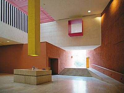 10 Museo de Arte Contemporáneo de Monterrey. MARCO LEGORRETA, 1991
