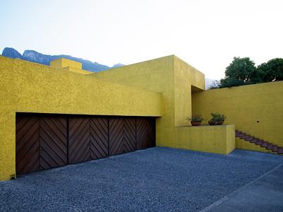 01 Casa en la avenida Alfonso Reyes. Luis Barragán y Raúl Ferrera, 1981–1983