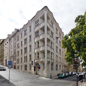 10 Mietshaus.  Josef Chochol, 1913–1914