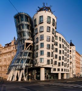 09 Tanzendes Haus.  Frank O. Gehry, Vlado Milunić, 1994–1997
