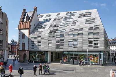 05 Markthaus, Mainz. Architekten: Massimiliano und Doriana Fuksas, 2008