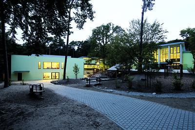 07 Waldschule Tempelsee. Architekt: Adolf Bayer; a sh sander. Hofrichter architekten (Umbau), 1948, 2013